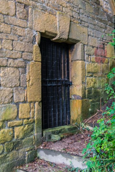 Bolsover Cundy House photo, The barred entrance