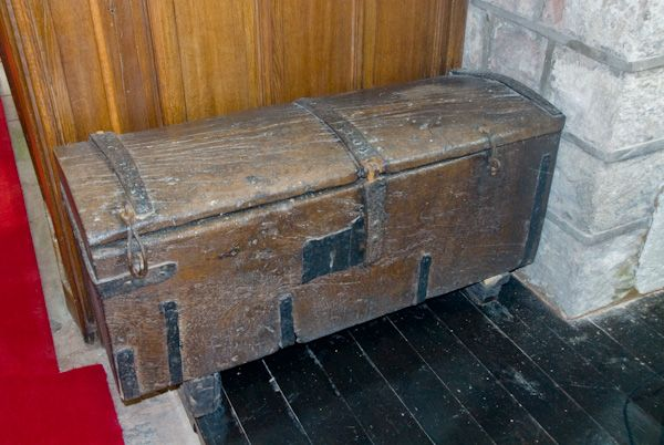 Bolton, All Saints Church photo, Wooden chest