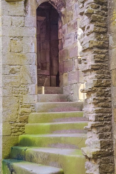 Bolton Castle photo, A mural staircase