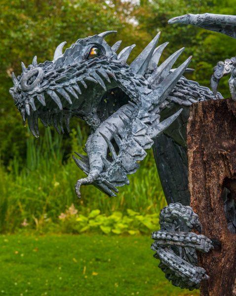 Statue In Roundu0027s Dell Dragon Sculpture In The Azalea Ring ...