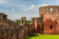 Bothwell Castle, The Donjon and west wal