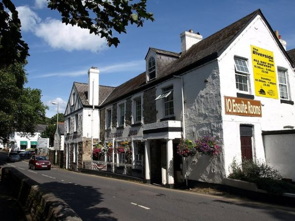 Bovey Tracey photo, The Riverside Inn (c) Derek Harper