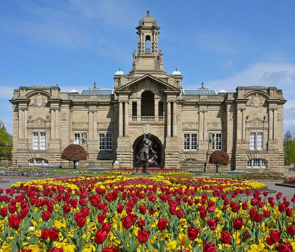 Bradford photo, Cartwright Hall (c) Tim Green