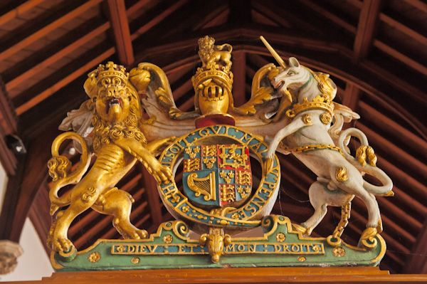 Bray, St Michael's Church photo, Gilded royal coat of arms