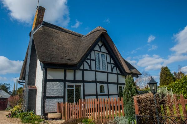 Bredon photo, Another pretty thatched cottage on Church Street