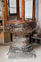 Bridlington Priory, Norman font