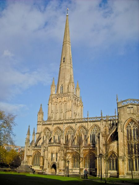 Bristol cathedral history travel and visiting information for St mary redcliffe swimming pool