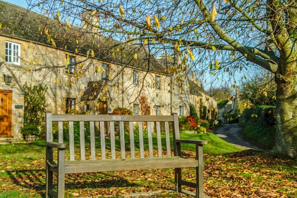 Broad Campden photo, A bench on the village green
