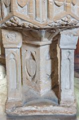 Broadhembury, St Andrew's Church, The unusual font base