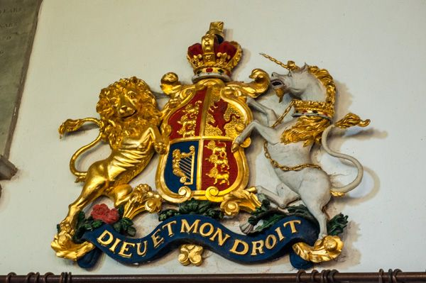 Broadhembury, St Andrew's Church photo, Early 19th century gilded royal coat of arms