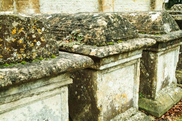 Broadwell photo, Cotswold table tombs in the churchyard