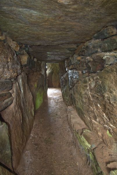 Bryn Celli Dhu photo, Interior Passage