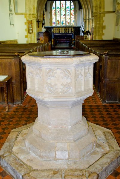 Buckland, St Mary photo, Font