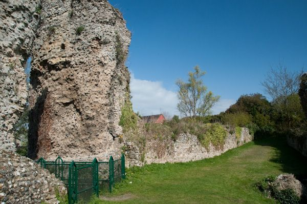 Bungay Castle photo, Inner bailey