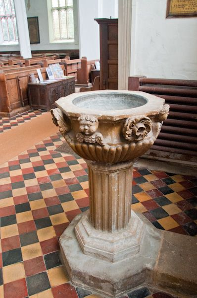 Bungay, St Mary's Church photo, Neo-classical font