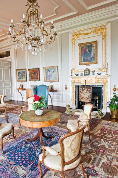 London Drawing Room: Historic Yorkshire Guide