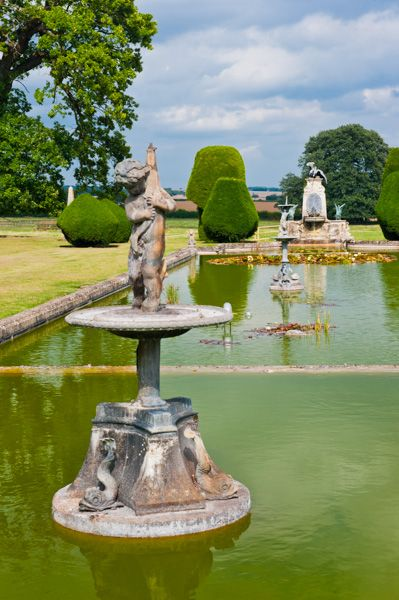 Burton Agnes Hall photo, Garden pool and statues