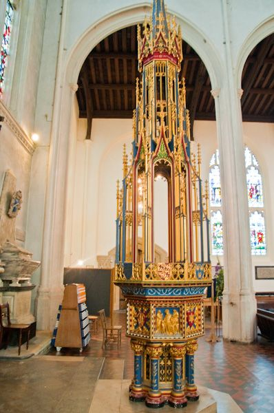 St Edmundsbury Cathedral photo, Font cover