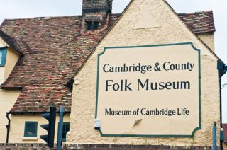 Cambridge and County Folk Museum