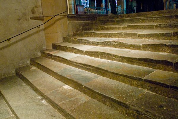 Canterbury Cathedral photo, Pilgrim stairs