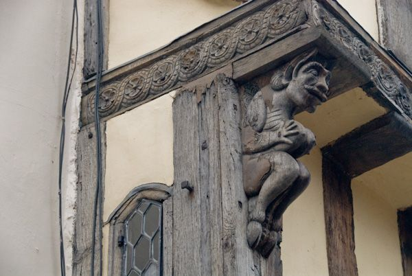 8 Palace Street photo, Demon carving 2