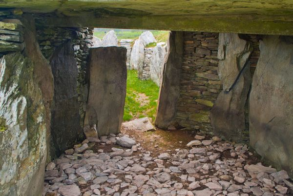 Capel Garmon Burial Chamber photo, Interior of chamber