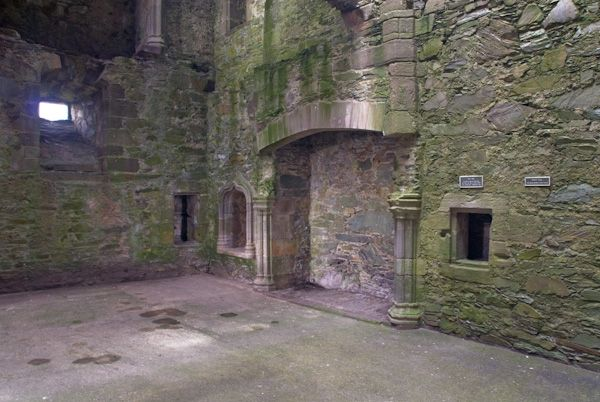 Cardoness Castle photo, The Hall