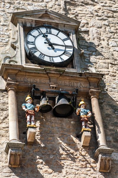 Carfax Tower photo, The'quarterboys' on the Carfax clock