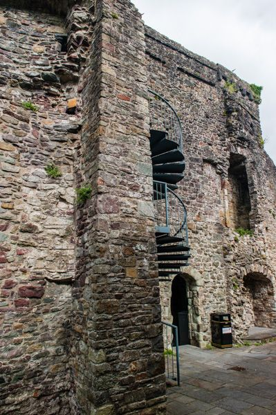 Carmarthen Castle photo, Inside the castle gatehouse