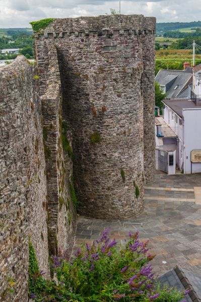 Carmarthen Castle photo, The gatehouse from atop the wall
