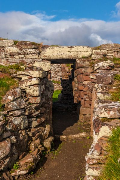 Carn Liath Broch photo, The entrance passage