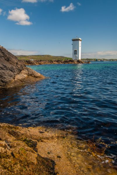 Carraig Fhada Lighthouse photo, The view from the shore west of the lighthouse