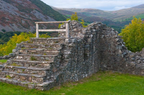 Castell-y-Bere photo, A ruined set of stairs