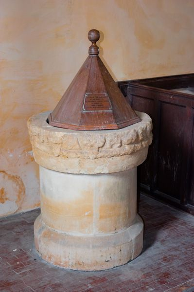 Catmore, St Margaret's Church photo, The font