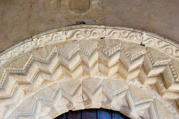Chaddleworth, St Andrew's Church photo, Norman zig-zag carving, south doorway