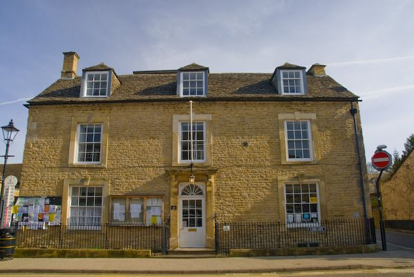 Charlbury photo, Corner House, rebuilt 1723