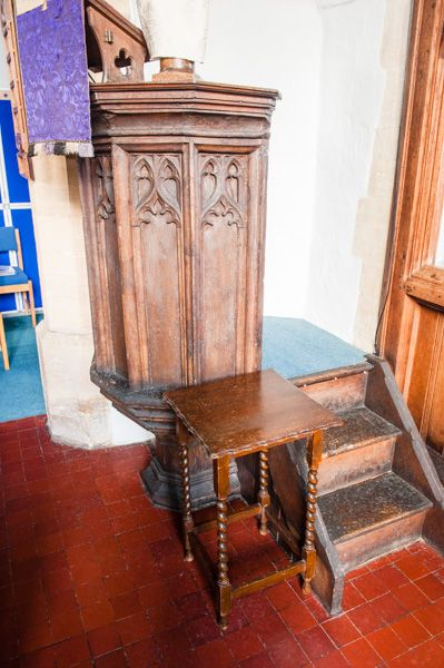 Charney Bassett, St Peter's Church photo, Jacobean panelled pulpit