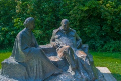 The Churchills' statues by the lake