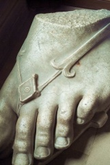 Statue of a foot