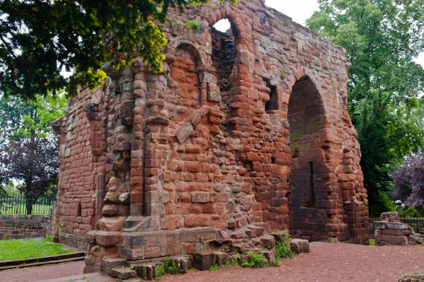 Chester, St John the Baptist Church photo, Ruins of the chapter house, circa 1300