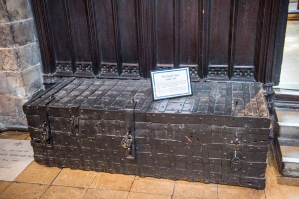 Chesterfield, Crooked Spire Church photo, 1600 parish chest