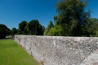 Chichester, Medieval city walls