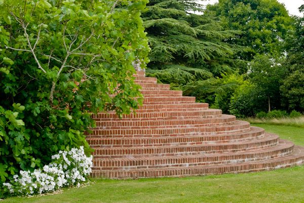 Chilham Castle photo, Stairs in the terrace gardens