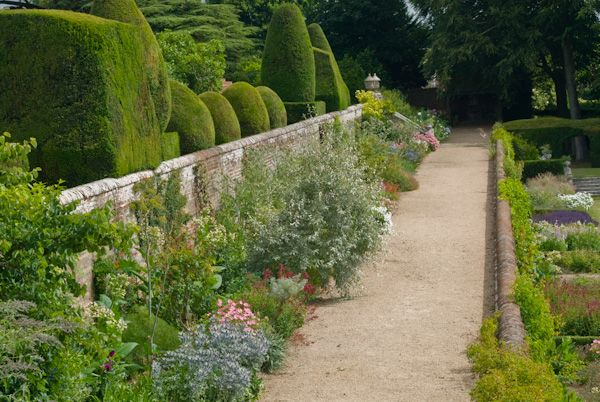 Chilham photo, Terraced garden, Chilham Castle