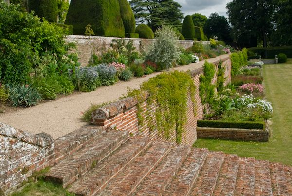 Chilham Castle photo, A terraced garden walk