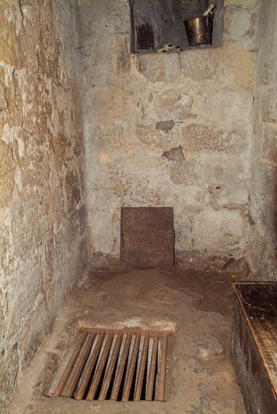 Chillingham Castle photo, Medieval dungeon access