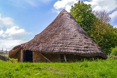 Chiltern Open Air Museum, Iron Age round house (c) Antony McCallum