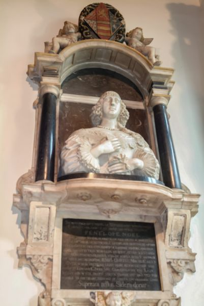 Chipping Campden, St James Church photo, Penelope Noel memorial, 1633