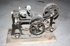 1912 Pathe projector (c) YellowFratello