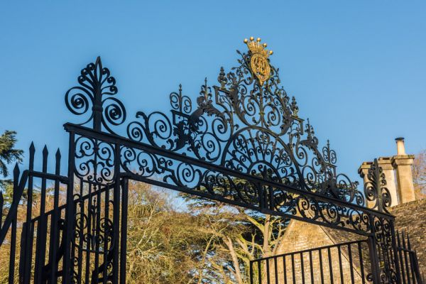 Cirencester Park photo, 18th century wrought-iron Park gates on Cecily Hill